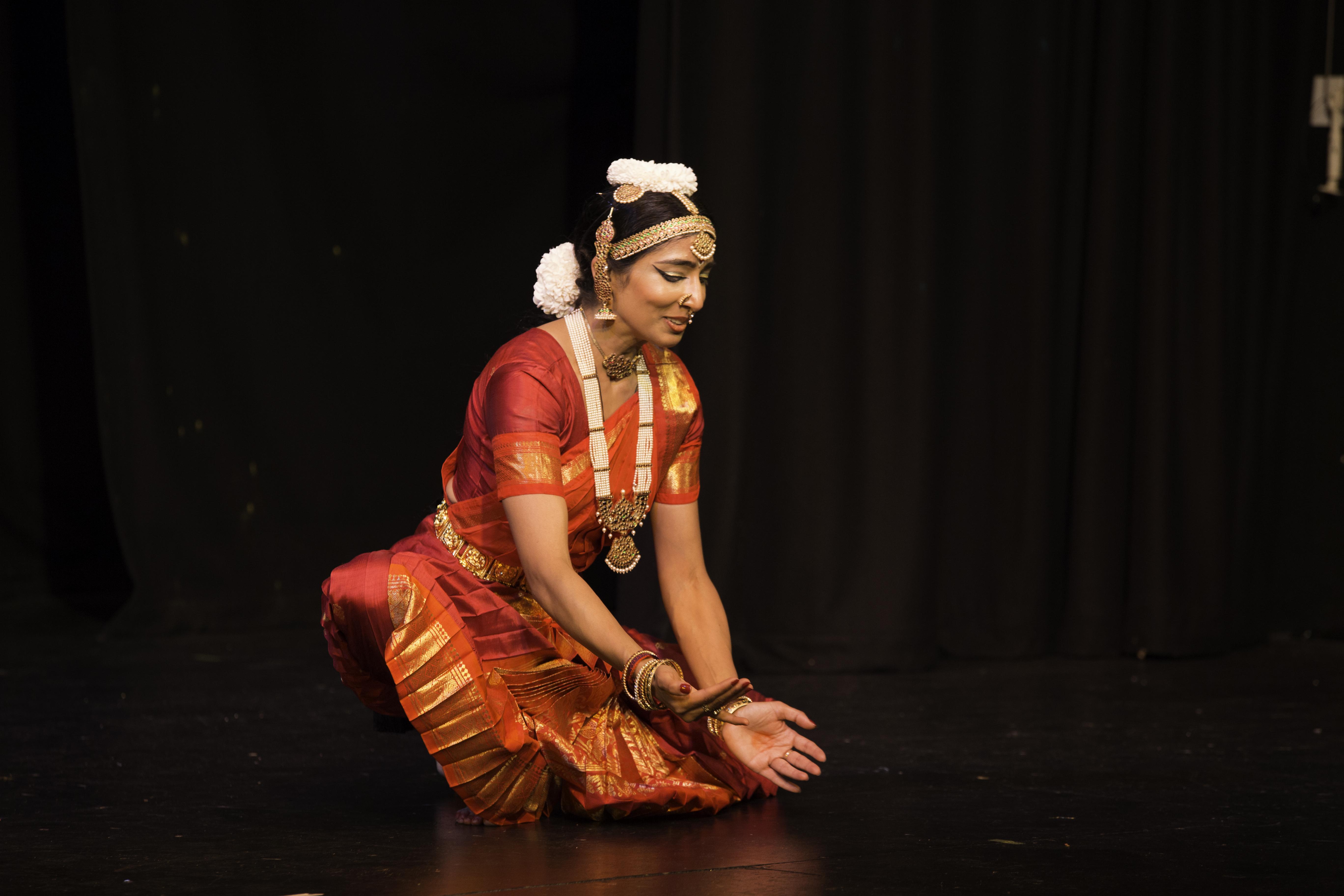 somita basak bharatanatyam